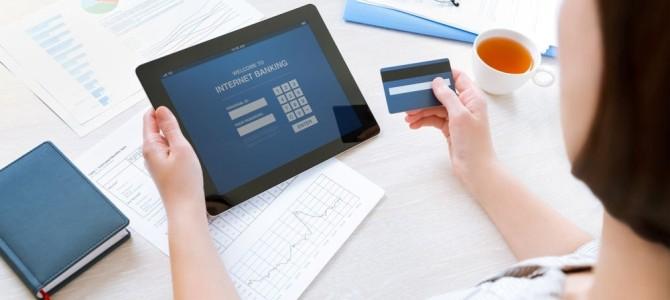 Dites adieu aux frais bancaires avec les banques en ligne
